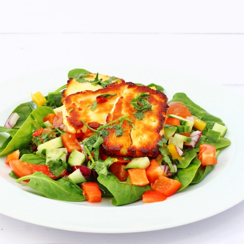 Mexican inspired halloumi salad