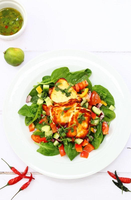 Mexican halloumi salad