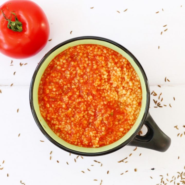 Spicy tomato and couscous soup M'deshesha
