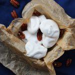 Pecan meringues with a few pecans