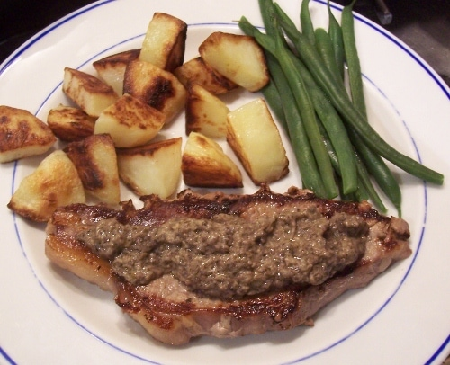 Steak with mushroom pate