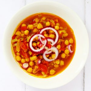 These spicy chickpeas are also known as sour chickpeas and khatte chhole