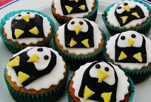 penguin cupcakes (500x339)