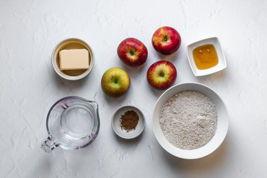 Ingredients for apple pie with wholemeal pastry