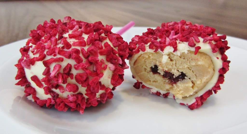 Golden oreo raspberry cookie pops