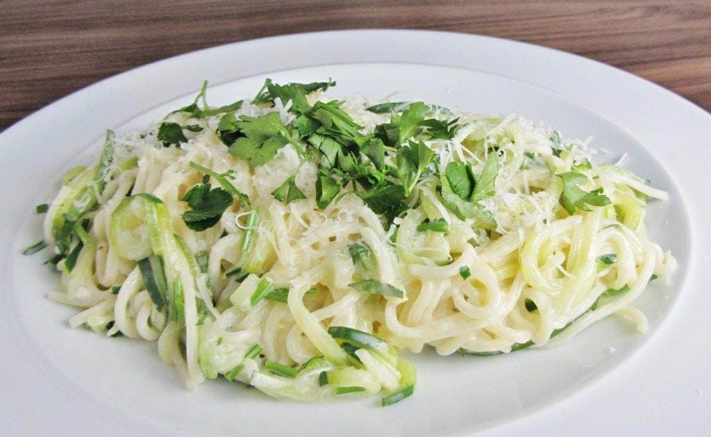Lemon and courgette spaghetti