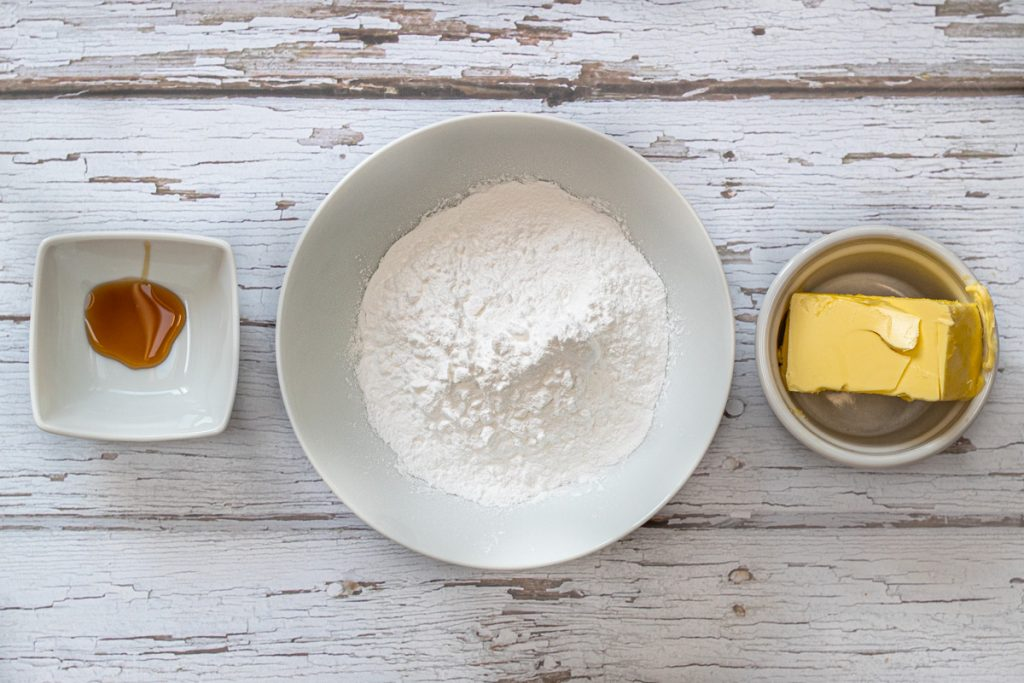 Ingredients for the vegan buttercream icing