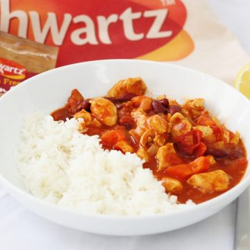 bowl of chicken chilli with rice