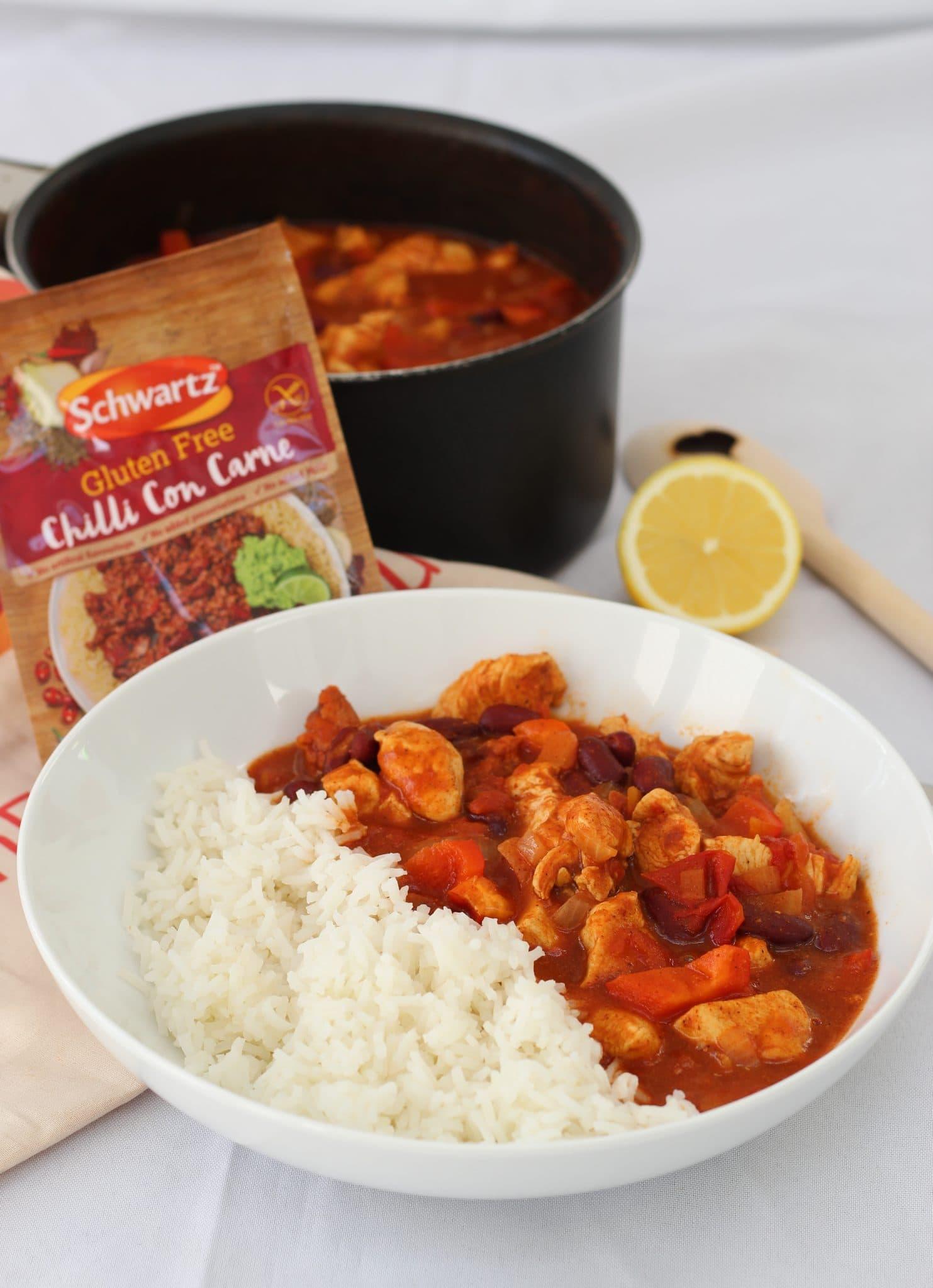 Schwartz chilli con carne mix and bowl of chicken chilli