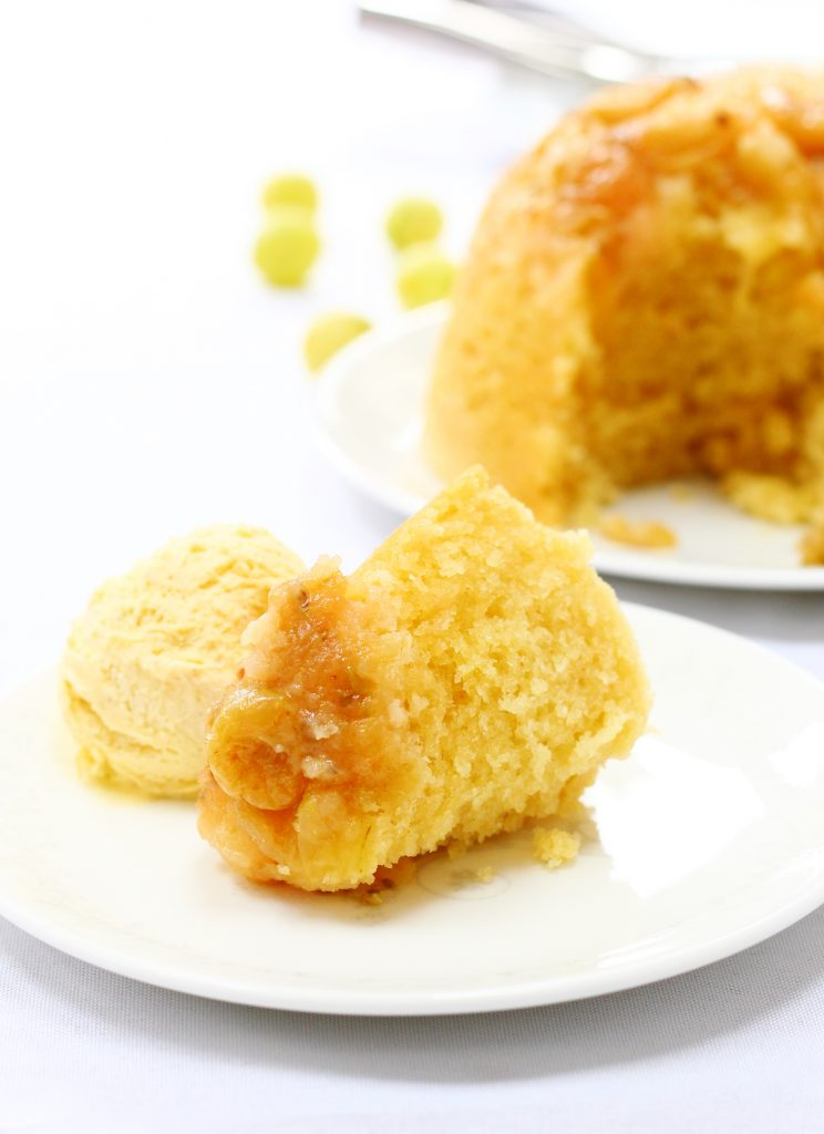 Slow cooker gooseberry steamed sponge pudding