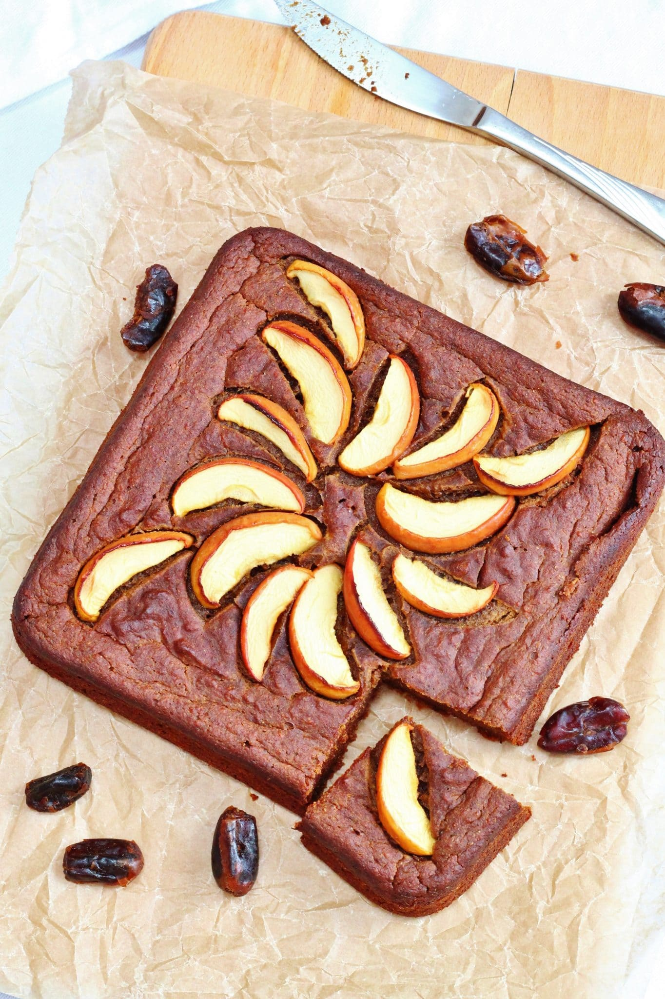 Sugar free sticky date and apple cake