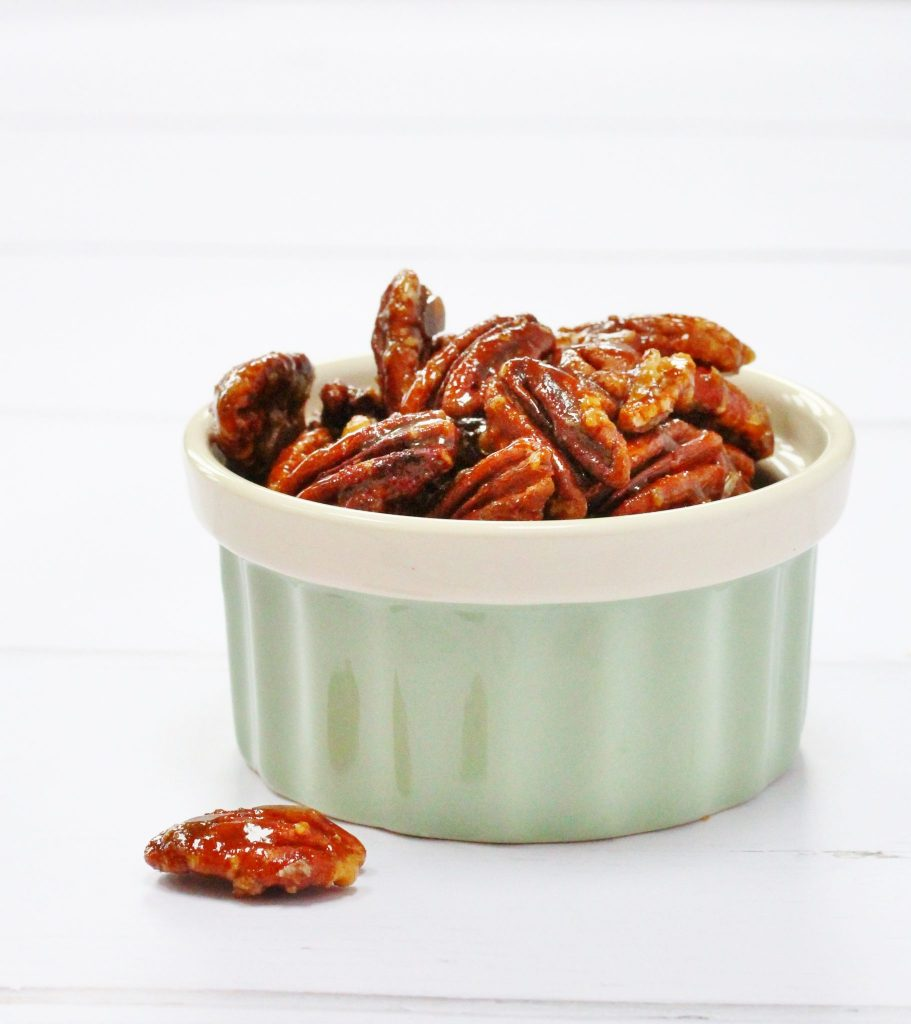 Bowl of caramelised pecans