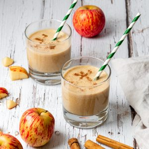 two glasses of apple cinnamon smoothie
